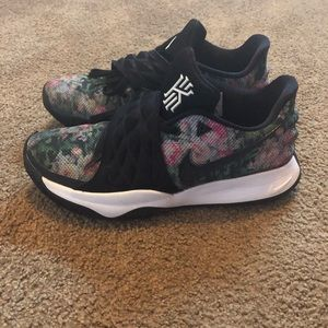 Nike Kyrie 1 Low Floral